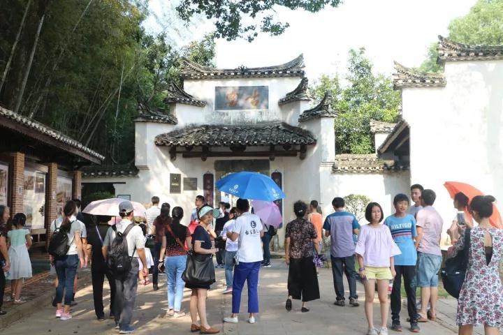 陶瓷文化游吸引八方游客