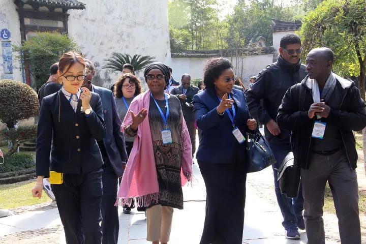 非洲驻华使节代表团到访古窑 探寻传