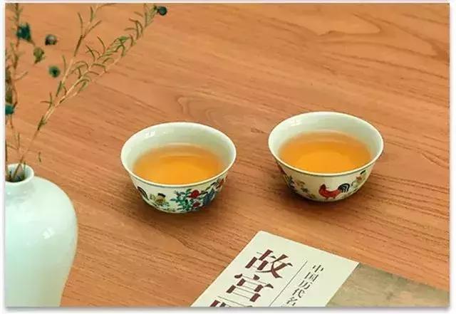 趣说成化斗彩鸡缸杯:谁用它喝过茶